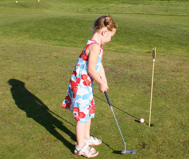 Over 30 youth attended the golf classes in Chapman